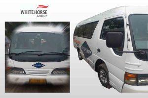 bus pariwisata white horse